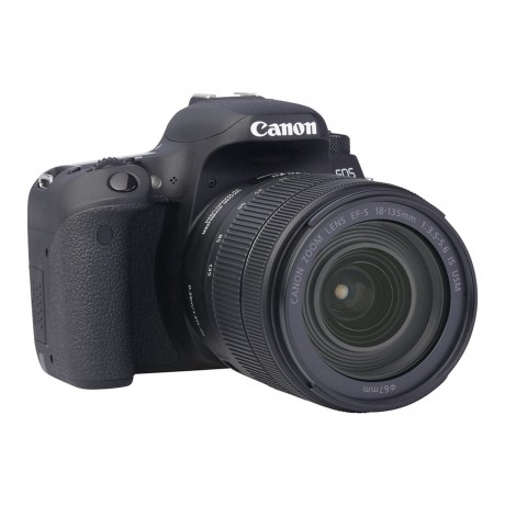 Canon EOS 77D + EF-S 18-135 IS USM