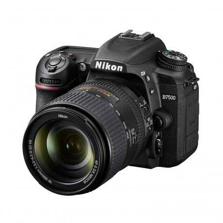Nikon D7500 + AF-S DX 18-300/3.5-6.3 VR