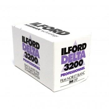 ILFORD DELTA 3200 135 36 POSES